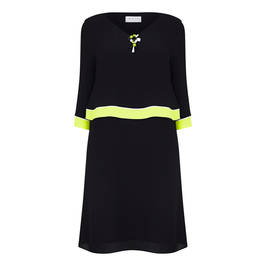 GAIA CAPE DRESS WITH BROOCH BLACK AND LIME - Plus Size Collection